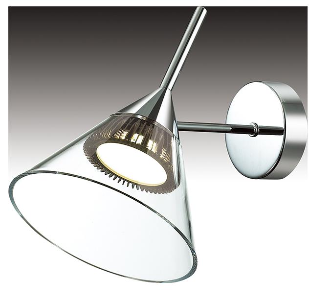 Бра Riforma Modern, 1 х LED, 7,2W. 3-5466-1-CR LED3-5466-1-CR LEDКАЧЕСТВО ПОКРЫТИЯ. При покрытии корпуса светильников RiForma применяют новейшие технологии окрашивания и гальваники. Благодаря тщательной предварительной обработке поверхности и качественному покрытию достигается равномерная и гладкая поверхность. НАДЕЖНОСТЬ ЭЛЕКТРИКИ. Электрика светильников RiForma соответствует европейским стандартам. Все провода проходят тщательный контроль качества. Каждый провод должен иметь надежную изоляцию и диаметр сечения не менее 0,75 мм. Это позволяет гарантировать безопасность и долговечность продукции. КАЧЕСТВО ПЛАФОНОВ. Все плафоны RiForma выполнены из прочного стекла либо акрила. При сборке светильников используются только отборные плафоны высшего сорта. На производстве каждый плафон проходит ручную проверку. Это исключает возможность сколов и брака. КАЧЕСТВО ХРУСТАЛЯ. В светильниках RiForma используется только качественный хрусталь высокой плотности. Благодаря сложной огранке хрустальные элементы приобретают яркий, лучистый блеск. Тщательная шлифовка придает хрусталю большуюпрозрачность, предохраняет от оседания пыли и загрязнений.