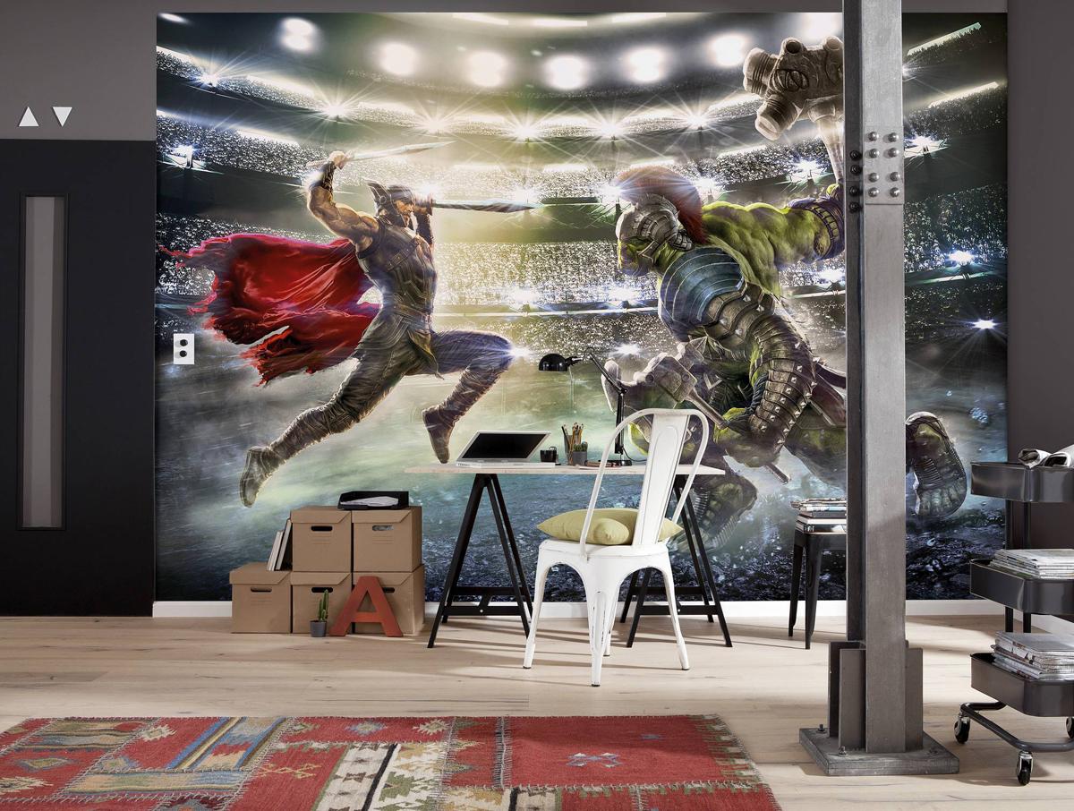"""Бумажные фотообои с с детским дизайном известного бренда """"Komar"""" позволят создать неповторимый облик  помещения, в котором они размещены. Фотообои наносятся на стены тем же способом, что и  обычные обои. Благодаря превосходной печати и высококачественной основе такие обои будут  радовать вас долгое время.  Фотообои снова вошли в нашу жизнь, став модным направлением декорирования интерьера.  Выбрав правильную фактуру и сюжет изображения можно добиться невероятного эффекта  """"живого присутствия"""".  Клей в комплекте."""