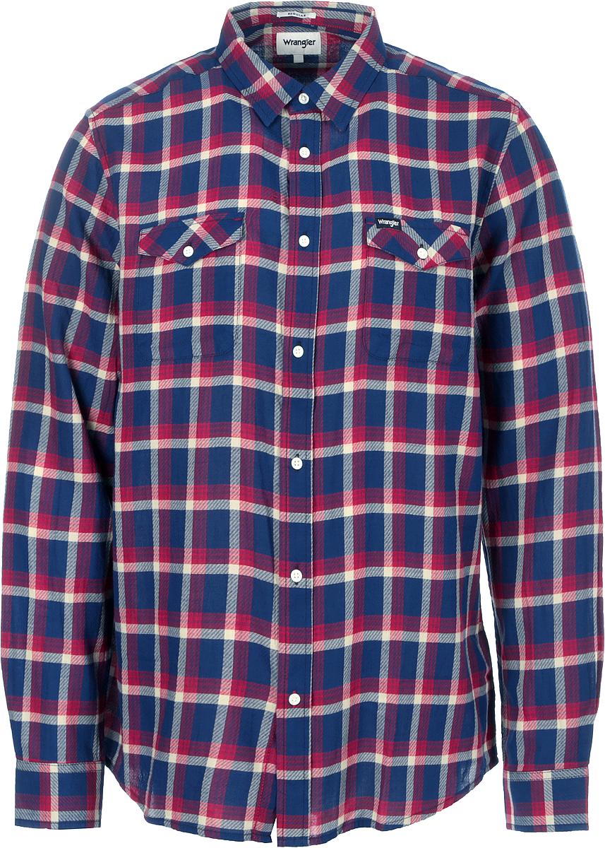 Рубашка мужская Wrangler, цвет: красный. W5917ORUU. Размер XL (52)W5917ORUUМужская рубашка от Wrangler вклетку выполнена из натурального хлопка. Модель с длинными рукавами и отложным воротником застегивается на пуговицы, на груди дополнена накладными кармашками с клапанами.