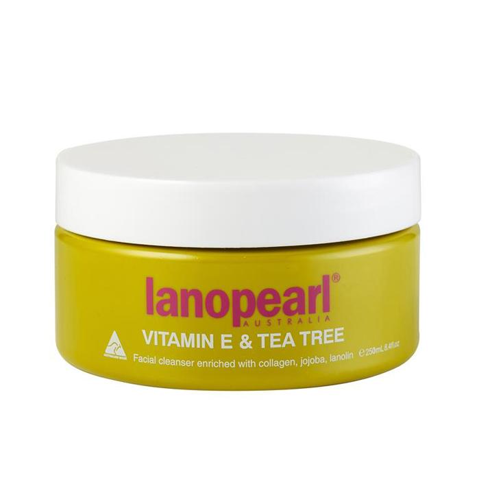 Lanopearl Сыворотка для умывания Vitamin E&Tea Tree Facial Cleanser, 250 млLA17Это легкое, не жирное очищающее средство для лица, которое наполняет кожу натуральными маслами и глубоко увлажняет ее, нежно удаляет следы макияжа и грязи. Добавленный коллаген и масло жожоба успокоят чувствительную кожу. Не содержит искусственных отдушек. • нежирная формула • глубоко проникает, чтобы удалить все следы макияжа и грязи • смягчает и успокаивает кожу