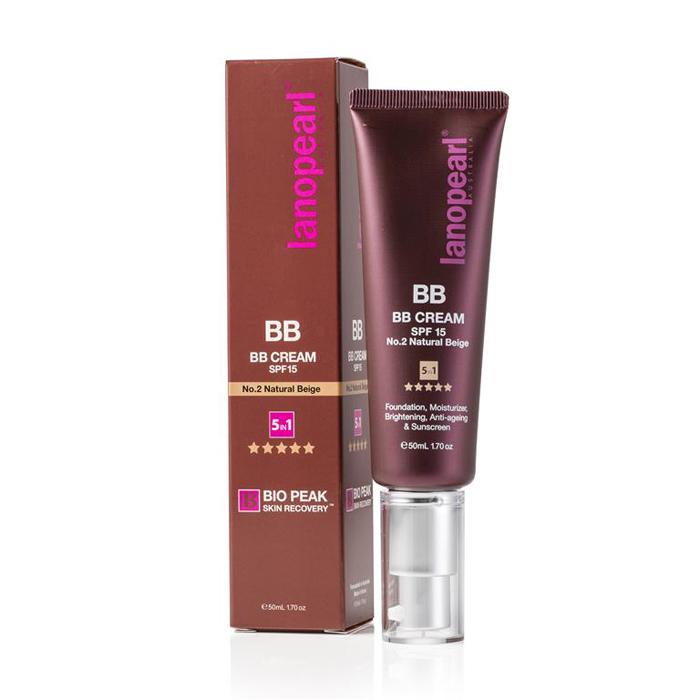 Lanopearl Тональный крем BB Cream Spf15 N0.2, 50 млLB37Многофункциональный BB крем обеспечивает безупречное естественное покрытие, не забивая поры. Обогащенный растительными экстрактами крем все в одном, скрывает недостатки кожи, шрамы и темные пятна, в тоже время увлажняет и защищает кожу от УФ лучей (содержит SPF фактор). Этот тональный крем создает яркий естественный цвет вашего лица, одновременно осветляет и омолаживает. Ваша кожа выглядит более гладкой, яркой и естественной.• 5 в 1 многофункциональный продукт (тональный, увлажняет, осветляет, омолаживает, солнцезащитный)• Выравнивает несовершенства• Кожа выглядит естественно, не жирная текстура• Обеспечивает кожу питательными веществами и растительными экстрактами• Натурально бежевый цвет, который подходит большинству тонов кожи• Покрывает и защищает кожу лица весь день, не забивая поры