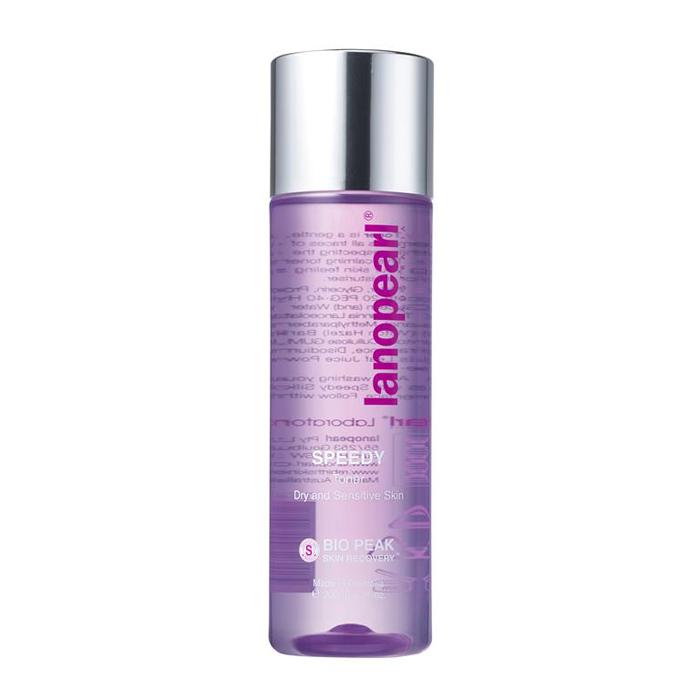Lanopearl Тоник для снятия макияжа Speedy Toner, 200 млLB54Это нежный, не содержащий спирта тоник, который удаляет все следы макияжа сохраняя естественный баланс PH кожи. Этот успокаивающий тоник смягчает сухую кожу, делая ее шелковисто гладкой, подготавливая ее для увлажняющего крема. • Быстрое очищающее средство• Уменьшает раздражение чувствительной кожи • Смягчает сухую кожу