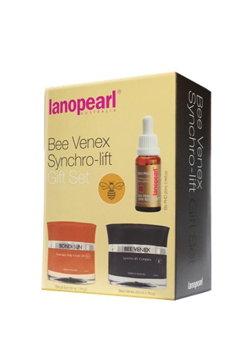 Lanopearl Сыворотка ночная для лица Bee Venex Synchro-Lift Gift SetLB65Последнее решение для борьбы с морщинами, обеспечивает гладкость и упругость кожи. Эти продвинутые кремы и сыворотка, разработанные с использованием пептидов и экстрактов трав, работают вместе, чтобы восстановить увлажнение и упругость. Уменьшает морщины и расслабляет их, делая кожу гладкой и молодой. Bondi Sun Australian Daily Sunscreen SPF 30+ (LB51) 50ml • Защищает кожу от UVA лучей и UVB (солнечных лучей) • Легкая и нежирная текстура, подходит для чувствительной кожи • Может использоваться под макияжем. Не оставляет следов на лице Bee Venex Synchro-lift Complex Cream (LB48) 50ml • Мгновенно сокращает морщины и сеточки морщин, результат за 30 дней • Постепенно подтягивает провисающую кожу лица, для кожи после 35 лет • Стимулирование производства коллагена и эластинаBio PHD Triple Lift Skin Serum (LB42) / 25 ml • Подходит для кожи в возрасте 35+• Быстро впитывающаяся передовой технология • Работает в сочетании с естественными процессами кожи для достижения молодой кожи