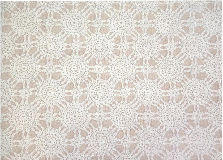 Дорожка на стол Altali Риолис, 40 х 140 смP798-1817/1Дорожка на стол (наперон) выполнена из натуральной ткани (плотный хлопок) и является удобным и стильным элементом декора столовой группы. Дизайн гармонично сочетается с рисунком на шторах и подушках на стулья из одноименного интерьерного решения. Этот удобный элемент сервировки стола служит не только в качестве декора, но и защищает скатерть от загрязнения. Рекомендуется деликатная стирка и отпаривание на среднем режиме с изнаночной стороны.