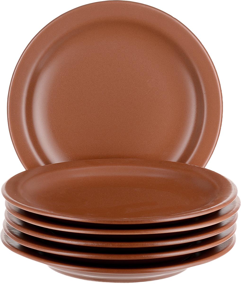 Добавьте вашему столу бразильского очарования с набором тарелок Biona. Классический терракотовый цвет украсит любой стол.  Набор включает в себя шесть обеденных тарелок.  Можно использовать в микроволновой печи и мыть в посудомоечной машине.