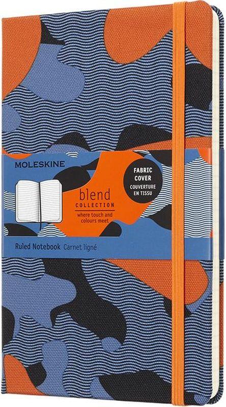 Moleskine Блокнот Blend 120 листов в линейку цвет голубой оранжевый серый черныйLCBD03QP060CAMOC1Записная книжка Classic сочетается с коллекцией Nomad. Текстиль урбанистических цветов, дарящий приятные тактильные ощущения, украшает четыре записных книжки, которые пробуждают чувства и приглашают вас создать собственную городскую историю на пустых страницах. Каждая текстильная обложка отличается неповторимым камуфляжным узором, лента-закладка и эластичная застежка подобраны в тон. От нежно-зеленого, черного и серого до ярко-оранжевого и броского синего: выбирайте оттенки, которые сочетаются с вашим рюкзаком Nomad и подходят к вашему городскому стилю.- Твердая обложка из ткани - Закругленные углы - Эластичная застежка- Фирменная бумага Moleskine цвета слоновой кости - Лента-закладка в тон- Бумага: 70г/м2, бескислотная, цвета слоновой кости, в линейку - Надпись In case of loss на форзаце - Расширяемый внутренний кармашек сзади - Сторона в многоразовой бумажной ленты с дополнительными печатными инструментами - Плоская, открывается на 180°- Внутри история Moleskine
