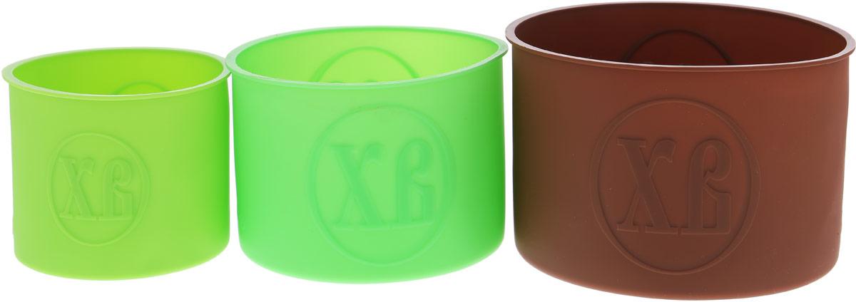 Набор форм для выпечки Доляна Куличики, цвет: коричневый, зеленый, салатовый, 3 шт1057150_коричневый, зеленый, салатовыйСвежий ароматный кулич с тонкой корочкой и нежным тестом - главное украшение праздничного стола. Чтобы приготовление кулича стало проще, используйте силиконовые формы для выпечки Доляна Куличики.Силиконовые формы для выпечки незаменимы для приготовления вкусных блюд. Любое блюдо, приготовленное в силиконовой форме, легко вынимается, сохраняя заданную форму. Формы для выпечки займут на кухне минимум места. Их можно сложить друг в друга и убрать в шкаф, а при очередном использовании форма примет первоначальный вид.Диаметр форм: 15,5 см, 13 см, 10 см.