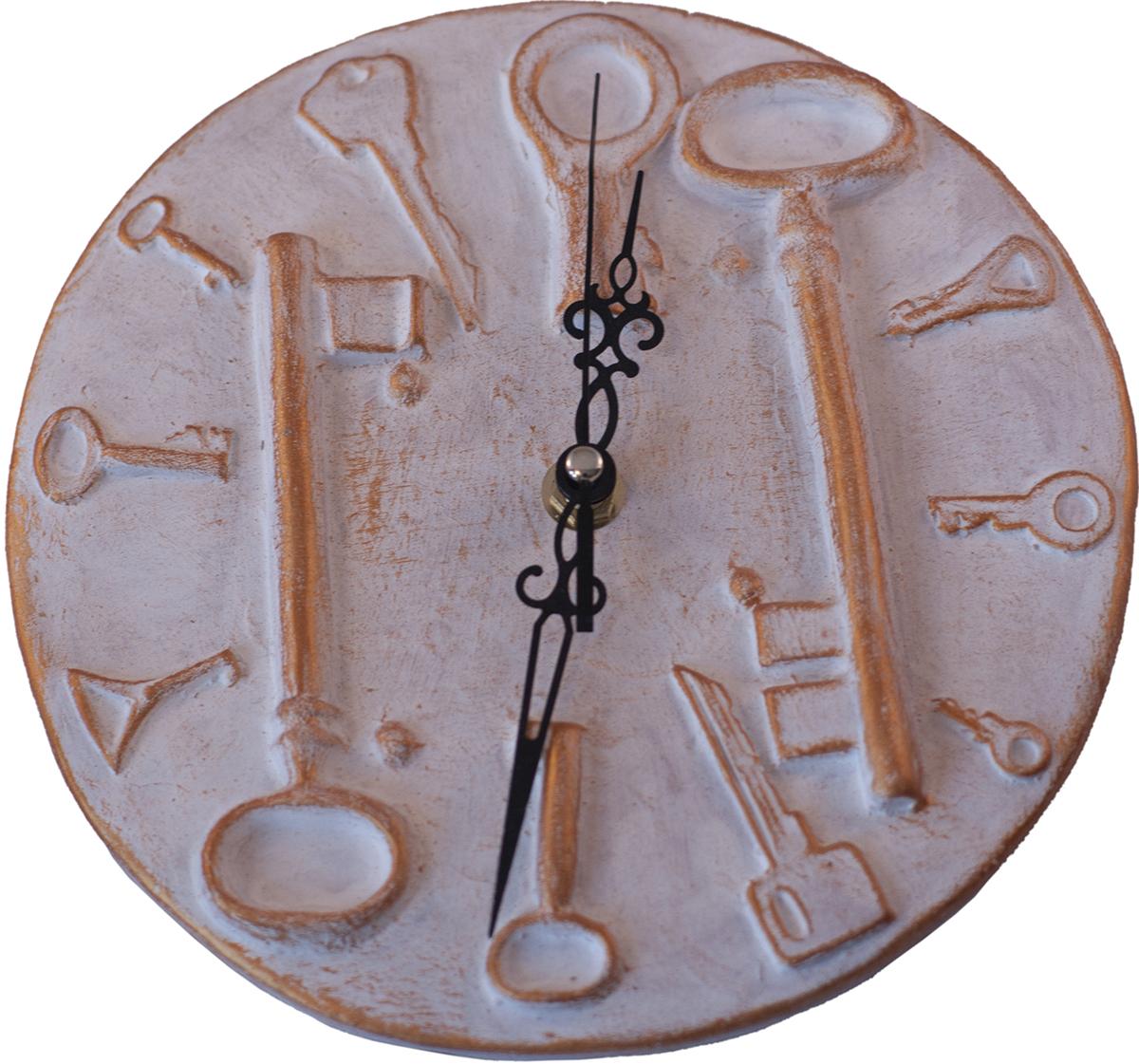 """Дизайнерские настенные часы """"Ключница"""" nikch17ch1 из серии """"Стим Панк"""" - эта уникальная авторская вещь, хранит творческую энергию создателя, и, получив ее в домашнюю коллекцию, Вы ощутите не только гордость обладателя раритета, но и чувство сопричастности тому мгновению, в которое родилось произведение и наглядно убедитесь, что миг неповторим! Уважаемые клиенты! Изделие, выполненное под заказ, может незначительно отличаться от фотографии, общий вид остается."""