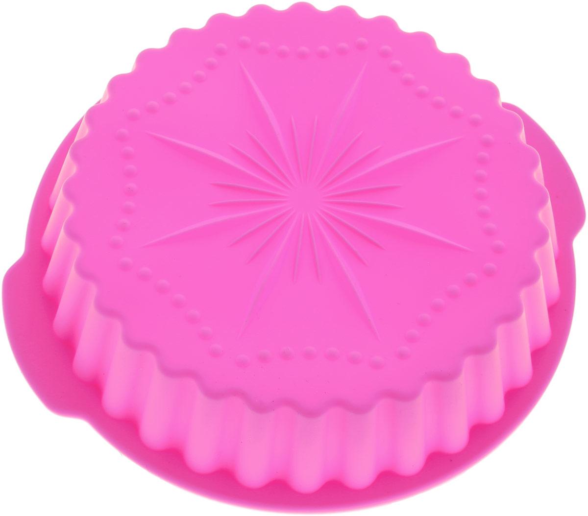 Форма для выпечки Доляна Звезда, рифленая, цвет: розовый, 20 х 4 см1057074_розовыйФорма для выпечки из силикона - современное решение для практичных и радушных хозяек.Оригинальный предмет позволяет готовить в духовке любимые блюда из мяса, рыбы, птицы иовощей, а также вкуснейшую выпечку. Почему это изделие должно быть на кухне? - блюдо сохраняет нужную форму и легко отделяется от стенок после приготовления; - высокая термостойкость (от -40°C до 230°C) позволяет применять форму в духовых шкафах иморозильных камерах; - небольшая масса делает эксплуатацию предмета простой даже для хрупкой женщины; - силикон пригоден для посудомоечных машин; - высокопрочный материал делает форму долговечным инструментом; - при хранении предмет занимает мало места. Советы по использованию формы: Перед первым применением промойте предмет теплой водой. В процессе приготовления используйте кухонный инструмент из дерева, пластика или силикона.Перед извлечением блюда из силиконовой формы дайте ему немного остыть, осторожноотогните края предмета. Готовьте с удовольствием!