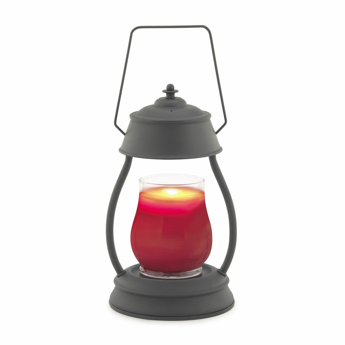 Представляем Вашему вниманию лаконичный дизайн и узнаваемый стиль ламп и фонарей от Candle Warmers в современном и классическом стиле.  Используйте их для освещения комнаты, декора, а также для ароматизации помещения. Поместите под лампу свечу нужного размера, и наслаждайтесь любимым ароматом без зажигания свечи . Прекрасно подойдёт для безопасного использования без применения огня.  Черный матовый фонарь. При ослаблении аромата , жидкий воск можно вылить, и свеча зазвучит по новому.  Подойдёт диаметр свечи 10 см, высота 14 см без крышки. Свеча на фото не поставляется в комплекте с лампой.