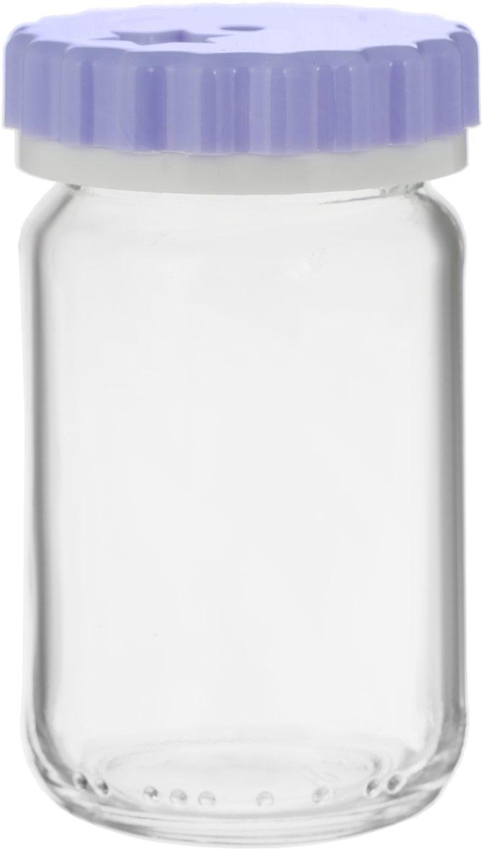 """Емкость для специй """"Remmy Home"""" выполнена из прозрачного стекла и оснащена пластиковой цветной крышкой. Крышка легко откручивается, благодаря чему засыпать приправу внутрь очень просто. Такая баночка станет достойным дополнением к вашему кухонному инвентарю."""