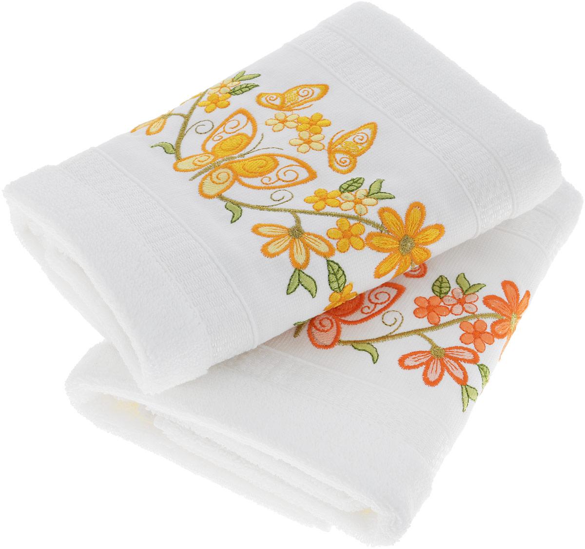 """Махровое полотенце Hobby Home Collection """"Infinity"""" уникально и разрабатывалось эксклюзивно для данной марки. При его создании использовались самые высокотехнологичные ткацкие приемы. Полотенце украшено изысканным декором. Выполнено из махровой ткани."""
