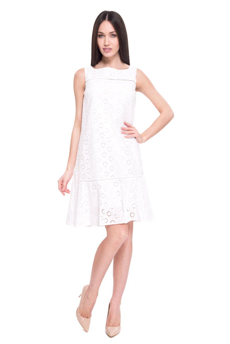 Платье Lusio, цвет: белый. SS18-020004. Размер XS (40/42)SS18-020004Летнее платье от Lusio выполнено из 100% хлопка. Материал приятный на ощупь и позволяет коже дышать. Модель длины миди, без рукавов, с квадратным вырезом горловины. Изделие оформлено нежной ажурной вышивкой.