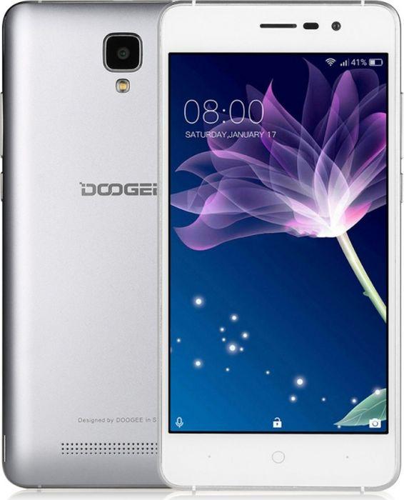 Doogee X10, SilverX10_SilverНовый смартфон Doogee X10 оснащается процессором MT6570 от MediaTek, специально разработанным для максимального энергосбережения.Процессор MT6570 с минимальными технологическими размерами 28 нм совмещает максимальную стабильность и энергоэффективность всвоем классе. Внутренняя память 8 Гбайт с возможностью расширения до 32 Гбайт позволяет вам хранить всё что хочется.Всех раздражает, когда заряд смартфона падает ниже 20 % в самый неподходящий момент. Благодаря литий-полимерному аккумулятору 3360мАч и энергоэффективному процессору MT6570 вы проведете вместе со смартфоном целый день, но так и не увидите предупреждение о низкомзаряде. 16 часов в режиме сна, 24 часа в режиме разговора.Обычно металлическими корпусами (цинковый сплав) оснащаются флагманские модели смартфонов, но сегодня эта опция доступна и для X10.Чтобы корпус смартфона выглядел незабываемо, применен целый ряд технологий - многослойное гальваническое покрытие, пескоструйнаяобработка и анодирование.Пока смартфоны соревнуются в размерах и становятся всё более неуклюжими, вам предлагается самый удобный формат с экраном5. 5 - самый удобный формат экрана, такой смартфон удобно удерживать и управляться с ним одной рукой. Благодаря скругленным углам искошенным краям корпус смартфон идеально ложится в руку. Doogee X10 оснащается IPS-дисплеем с максимальным углом обзора 178°. Этоособенно удобно, когда смотришь фильмы: теперь можно смотреть сериал всем вместе и экран не будет выглядеть блеклым.Doogee X10 дарит настоящее удовольствие от процесса съемки. Видеокамера 5 Мп со вспышкой и функцией компенсации вибраций сделаетлюбое фото произведением искусства. Дополнительные функции камеры: распознавание лиц, авторетуширование, панорамная съемка.Смартфон сертифицирован EAC и имеет русифицированный интерфейс, меню и Руководство пользователя.