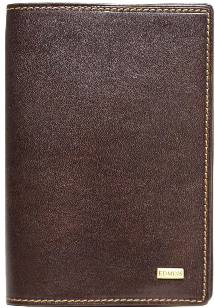 Обложка для паспорта мужская Edmins, цвет: коричневый. 302 ML ED brownНатуральная кожаВ коллекциях кожгалантереи Edmins удачно сочетаются итальянская классика и шведский прагматизм, новаторство молодых дизайнеров и работы именитых мастеров, строгая цветовая гамма и смелые эксперименты с цветом. Изделия Edmins, разработанные в Италии, отличает высокое качество кожи, прекрасная износостойкость и актуальность коллекций.