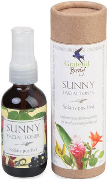 Grateful Body Органический тонер В солнечный день, 60 млTS99% ингредиентов органического происхождения. Растительный фильтр от солнца.Пополните запас витамина D, подружитесь с солнцем и примите его полезную энергию. Солнечный свет через нашу кожу необходим для здоровья и эмоционального благополучия. Ежедневно используйте тонер для обеспечения важных и универсальных фитонутриентов:1.Укрепляйте кожу, принимайте солнечные ванны с пользой от умеренных ежедневных UV лучей.2.При этом сохраняйте лицо увлажнённым3.Одновременно защитите кожу от воспаления4.И наслаждайтесь умеренным воздействием солнца!Тонер не является солнцезащитным средством. Это ценное дополнение к вашему SPF крему. Для всех типов кожи.