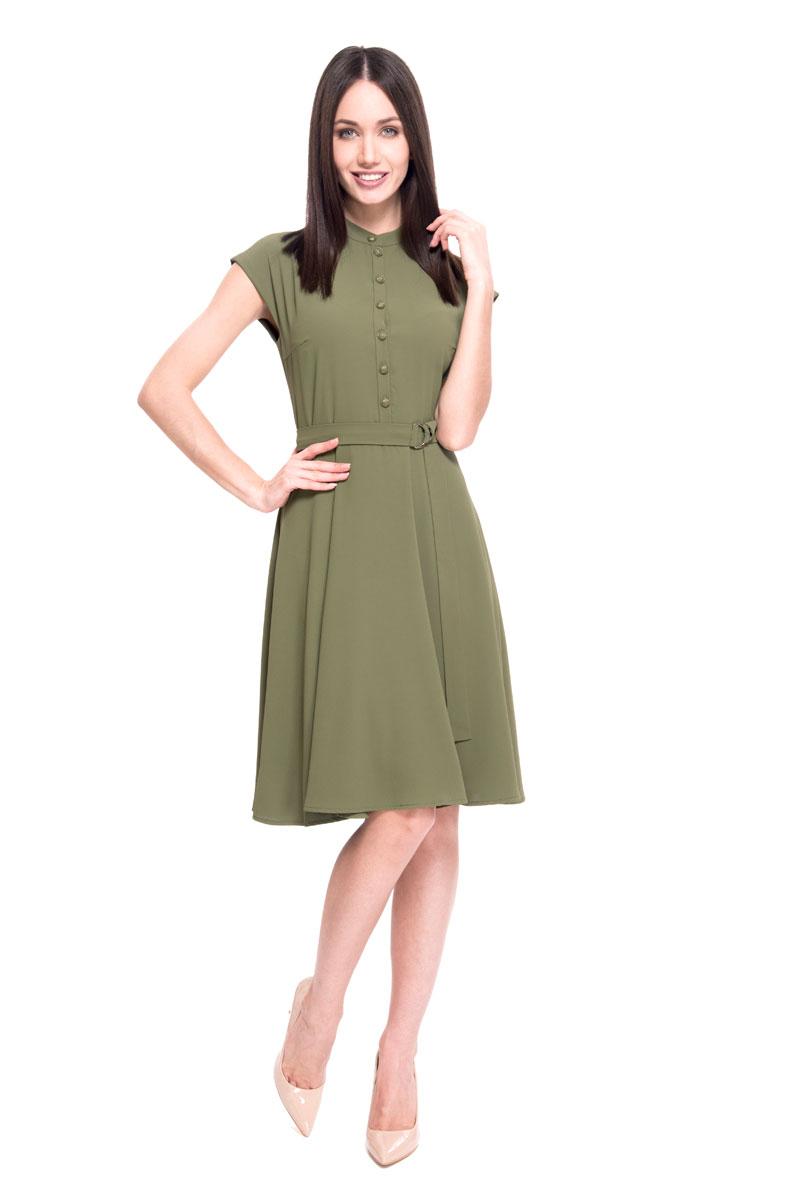 Платье Lusio, цвет: хаки. SS18-020150. Размер S (42/44)SS18-020150Легкое платье от Lusio выполнено из полиэстера. Модель приталенного кроя, с короткими рукавами и круглым вырезом горловины. На груди изделие застегивается на пуговицы. Линию талии подчеркивает пояс.