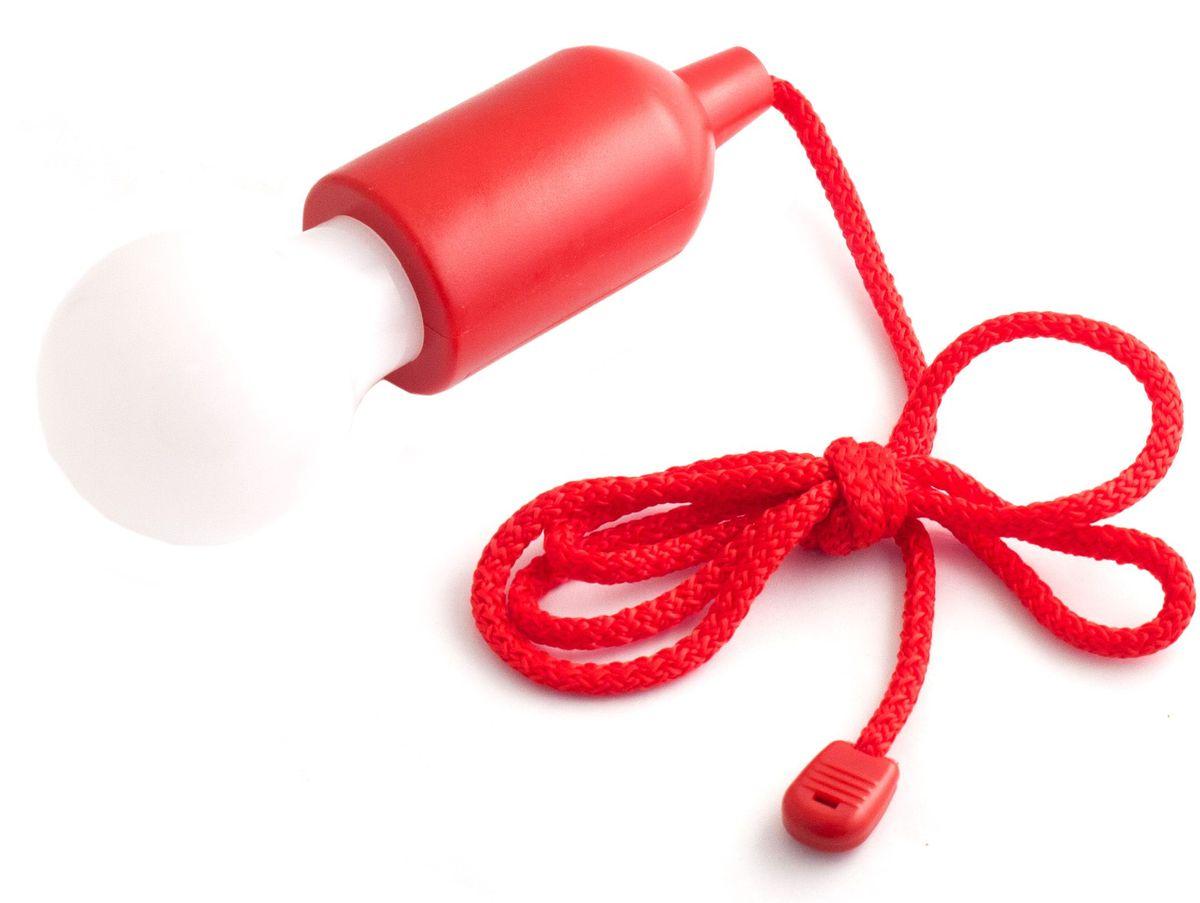 Светильник Эврика Лампочка, на веревке, цвет: красный98276Светильник Эврика Лампочка - оригинальный пластиковый светодиодный светильник нашнурке длиной 116 - 125 см. Этот светильник часто приобретается не только для того, чтобыобеспечить грамотное освещение в шкафу. Например, если вы занимаетесь декором открытойплощадки или любого помещения, то светильник на шнурке станет лучшим решением. Использовать лампочку на шнурке очень просто. Достаточно просто потянуть за ее шнур! Помимоудобства и комфорта вы получите и грамотную экономию электроэнергии.Корпус модели изготовлен из прочного пластика. Питание осуществляется от 3 батареек типаААА.