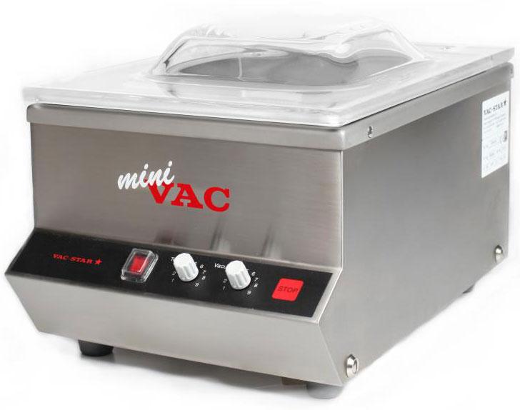 Vac-Star MiniVac, Gray Metallic вакуумный упаковщикMA20-EUMiniVAC - вакуумная упаковочная машина премиум класса от швейцарской компании VAC-STAR. Компактный, лаконичный и в то же время современный дизайн и огромный запас прочности делают оборудование от VAC-STAR лучшим в премиум сегменте. Отлично подойдет для небольшого ресторана, банка (упаковка банкнот) и домашнего использования.Надежность 100% европейского оборудования с шильдиком Swiss Engineering и сорокалетней историей производства вакуумного оборудования премиум класса. Машина полностью выполнена из нержавеющей стали 18/10. Насос немецкой фирмы BUSCH, разработанный специально для модели miniVAC. Простой интерфейс, позволяющий научиться работать с машиной за считанные минуты. • максимальный размер пакета 20*30 см • сварочная планка 1?200 мм (спереди) • размер упаковщика: 260?400?245 мм • размер камеры: 220?280?90 м • возможность упаковки жидкостей• производительность вакуумного насоса: 4 м3/ч• компактная модель для стола • система управления с таймером, тип BV • 1 пластина-вкладыш и наклонная вставка для упаковки жидкостей • вакуумное масло входит в комплект поставки • вес: 17 кг • 220-240 вольт, 500Вт • инструкция на русском языке • гарантия 12 месяцев• SWISS Engineering Made in EUПередняя панель оснащена манометром, кнопками выбора степени вакуумирования, температуры сварки швов и кнопкой «СТОП». Корпус полностью изготовлен из нержавеющей стали 18/10, акриловая куполообразная крышка с демпфирующей пружиной ускоряет процесс закладки и вакуумирования заготовок.