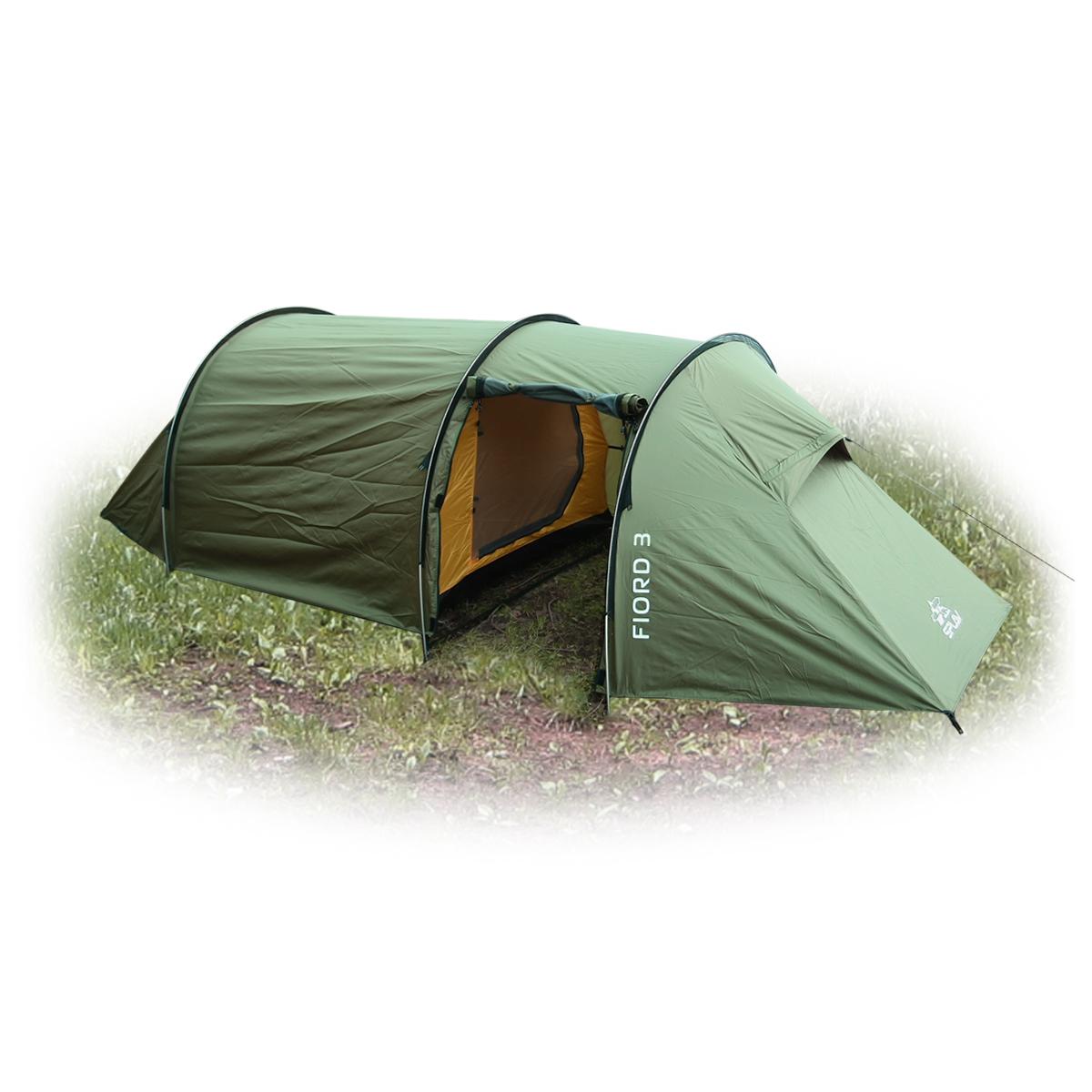 Палатка Сплав Fiord 3, 3-местная,цвет: зеленый5050650Сплав Fiord 3 - туристическая палатка тоннельного типа с комфортным внутренним объемом и большим тамбуром. Конструкция на 3-х внешних дугах позволяет быстро установить палатку в неблагоприятных погодных условиях. Палатка и тент могут устанавливаться одновременно. Возможна установка отдельно тента без внутренней палатки. Вентиляционные отверстия расположены по торцам палатки под защитными козырьками и продублированы противомоскитной сеткой. Обеспечивают хорошую проточную вентиляцию внутреннего объема. Вход в тамбур и основную палатку продублирован противомоскитной сеткой. Дополнительное большое вентиляционное окно в тамбуре закрывается водонепроницаемой шторкой на молнии. Веревки оттяжек имеют вплетенную светоотражающую нить. Петли крепления оттяжек на тенте продублированы светоотражающими полосами. Швы тента и дна проклеены.Количество мест: 3. Габариты и вес: Размеры внешней палатки, тента (Д х Ш х В): 425 х 195 х 115 см. Размеры спального места (Д х Ш х В): 220 х 170/110 х 105 см. Размеры в упакованном виде (Д х Ш х В): 50 х 25 х 16 см. Полный вес: 4,30 кг. Минимальный вес (без чехла и колышков): 3,70 кг. Материалы: Внешний тент: Polyester 75D/190T PU8000 мм. Внутренняя палатка: Polyester R/S 68D/210T W/R. Дно: Polyester 100D PU 10000 мм. Дуги: Алюминиевый сплав 7001 T6 O8,5 мм. Колышки: Trigonal aluminium pin. Фурнитура: YKK.