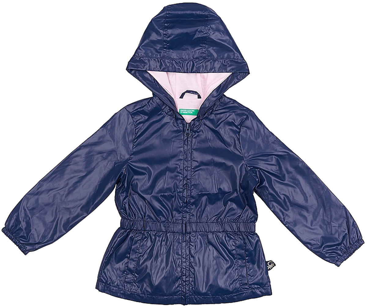 Куртка для девочки United Colors of Benetton, цвет: синий. 2EO053BX0_13C. Размер 1202EO053BX0_13CЛегкая куртка от United Colors of Benetton выполнена из высококачественного полиэстера на хлопковом подкладе. Модель с длинными рукавами и капюшоном застегивается на молнию, по бокам дополнена втачными карманами.