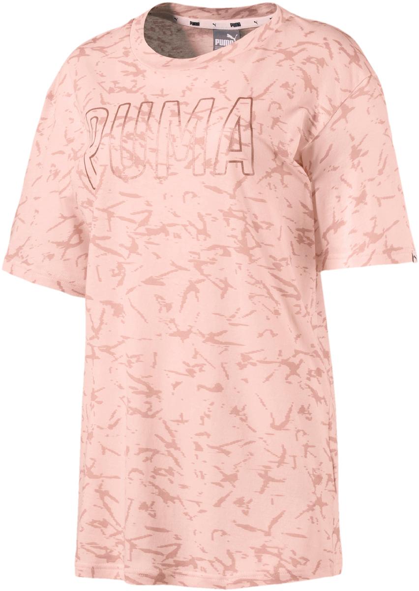 Футболка женская Puma Fusion Elongated Aop Tee, цвет: персиковый. 85012331. Размер L (46/48) толстовка женская puma urban sports fz hoody цвет темно зеленый 59404414 размер m 44 46