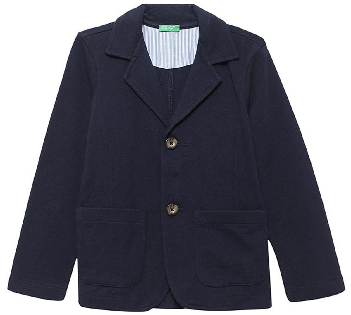 Пиджак для мальчиков United Colors of Benetton, цвет: синий. 3DZ0C6026_13C. Размер 1703DZ0C6026_13CПиджак от United Colors of Benetton выполнен из натурального хлопка. Модель с длинными рукавами и лацканами застегивается на пуговицы, имеет два накладных кармана.