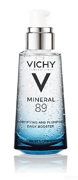Vichy Ежедневный гель-сыворотка для кожи, подверженной внешним воздействиям Mineral 89, 50 млM9154800Ежедневные агрессивные воздействия, такие как окружающая среда, кондиционеры/отопление, жесткая вода, повреждают кожу. Она истончается, провоцируя дисбаланс РН, нарушается ее защитный барьер. В результате кожа становится хрупкой и восстанавливается сложнее под воздействием внешних факторов.Mineral 89 – 1-е средство с рекордной концентрацией термальной воды 89%. Минерализирующаяся термальная вода VICHY обогащена 15 редкими минералами, способными нормализовать рН и сделать кожу более устойчивой к воздействию внешних факторов. Благодаря уникальному сочетанию термальной воды и натуральной гиалоурановой кислоты Mineral 89: Защищает, усиливая естественные барьерно-защитные функции; Укрепляет, нормализуя РН и снимая дискомфорт; Увлажняет, удерживая влагу и сокращая ее трансэпидермальную потерю.Ваша кожа более сильная и наполненная, она сияет здоровьем. Лучше противостоит воздействию внешних факторов. Обогащенная минералами, она восстанавливается заметно быстрее.Преимущества:Чистая ультра-деликатная формула – всего 11 компонентов.Увлажнение 24 часа. Мгновенно кожа выглядит гладкой и увлажненной.Через 28 дней кожа заметно более сильная, она словно сияет здоровьем.
