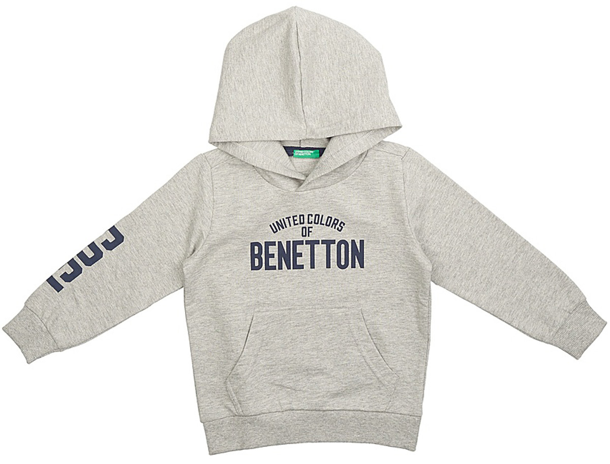 Толстовка для мальчиков United Colors of Benetton, цвет: серый. 3BC1C2091_501. Размер 1203BC1C2091_501Модная толстовка от United Colors of Benetton выполнена из натурального хлопкового трикотажа. Модель с капюшоном и длинными рукавами на груди оформлена брендированной надписью и спереди дополнена карманом кенгуру. Манжеты рукавов и низ изделия дополнены широкими трикотажными резинками.