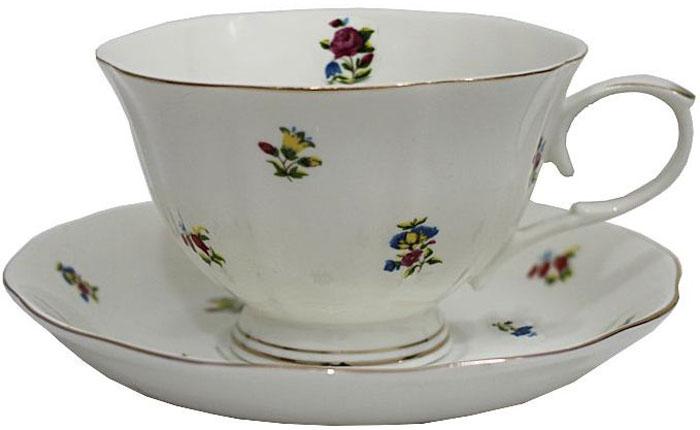 Чайная пара Lenardi Полевые цветы, 2 предмета105-047Чай будет еще вкуснее, если пить его из изящной фарфоровой чашки, чья красота подчеркнута блюдцем в том же стиле. Вы можете пользоваться ею дома или на работе, позволяя себе немного расслабиться и освежить мысли. Чайная пара Полевые цветы – классический, всегда востребованный и желанный подарок. Насладиться уединением за ароматным напитком – это маленькое счастье, доступное каждому.