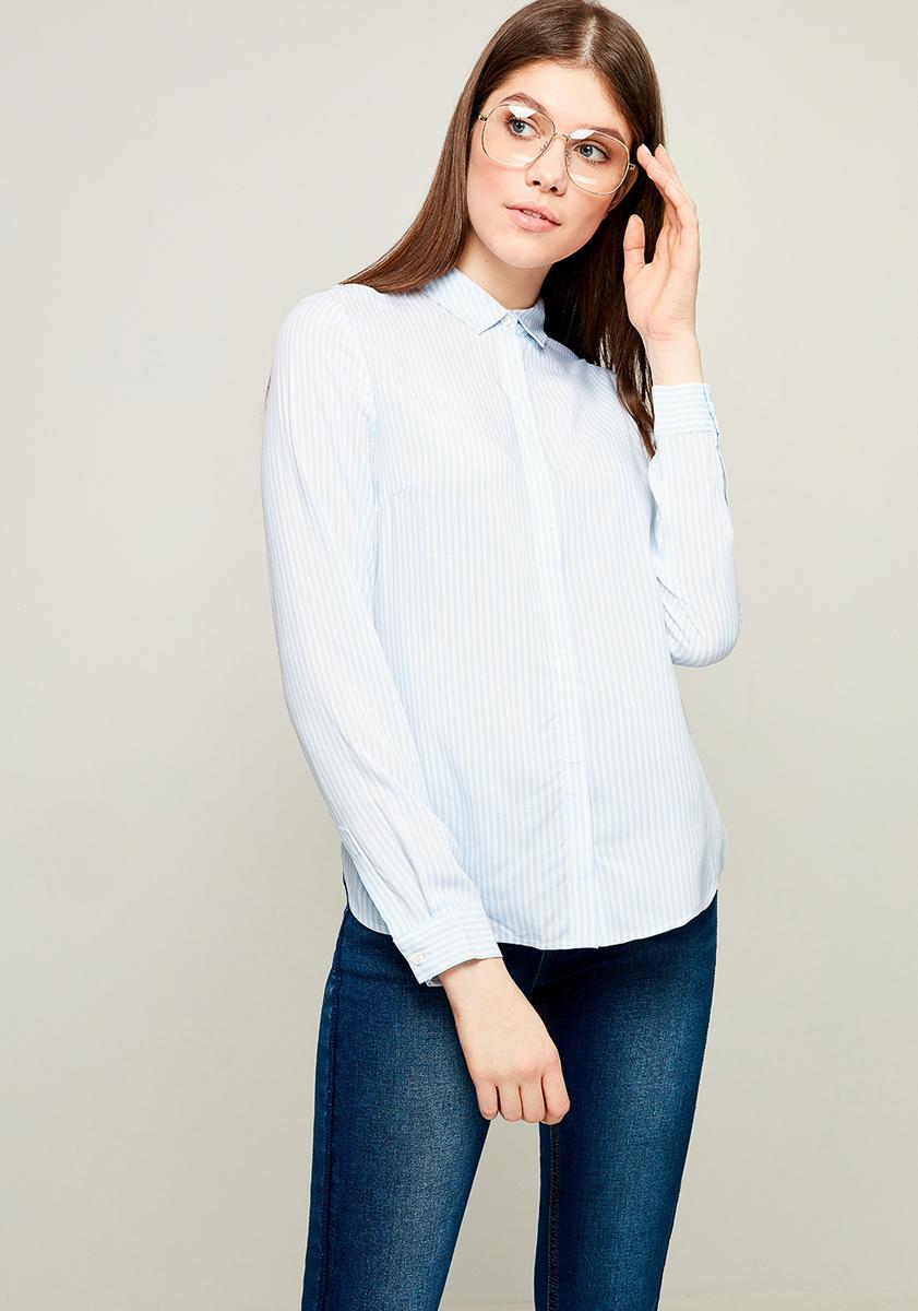 Блузка женская Zarina, цвет: белый, голубой. 8123079309049. Размер 448123079309049Блузка от Zarina выполнена из вискозного материала. Модель с длинными рукавами и отложным воротником застегивается на пуговицы.
