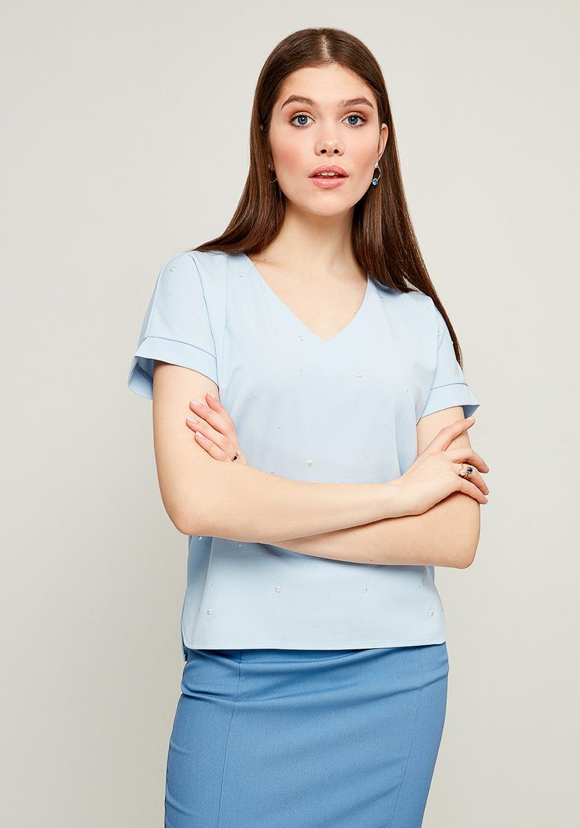 Блузка женская Zarina, цвет: голубой. 8123504404049. Размер S (44)8123504404049Блузка от Zarina выполнена из высококачественного эластичного полиэстера. Модель с короткими рукавами и V-образным вырезом горловины спереди декорирована бусинами.
