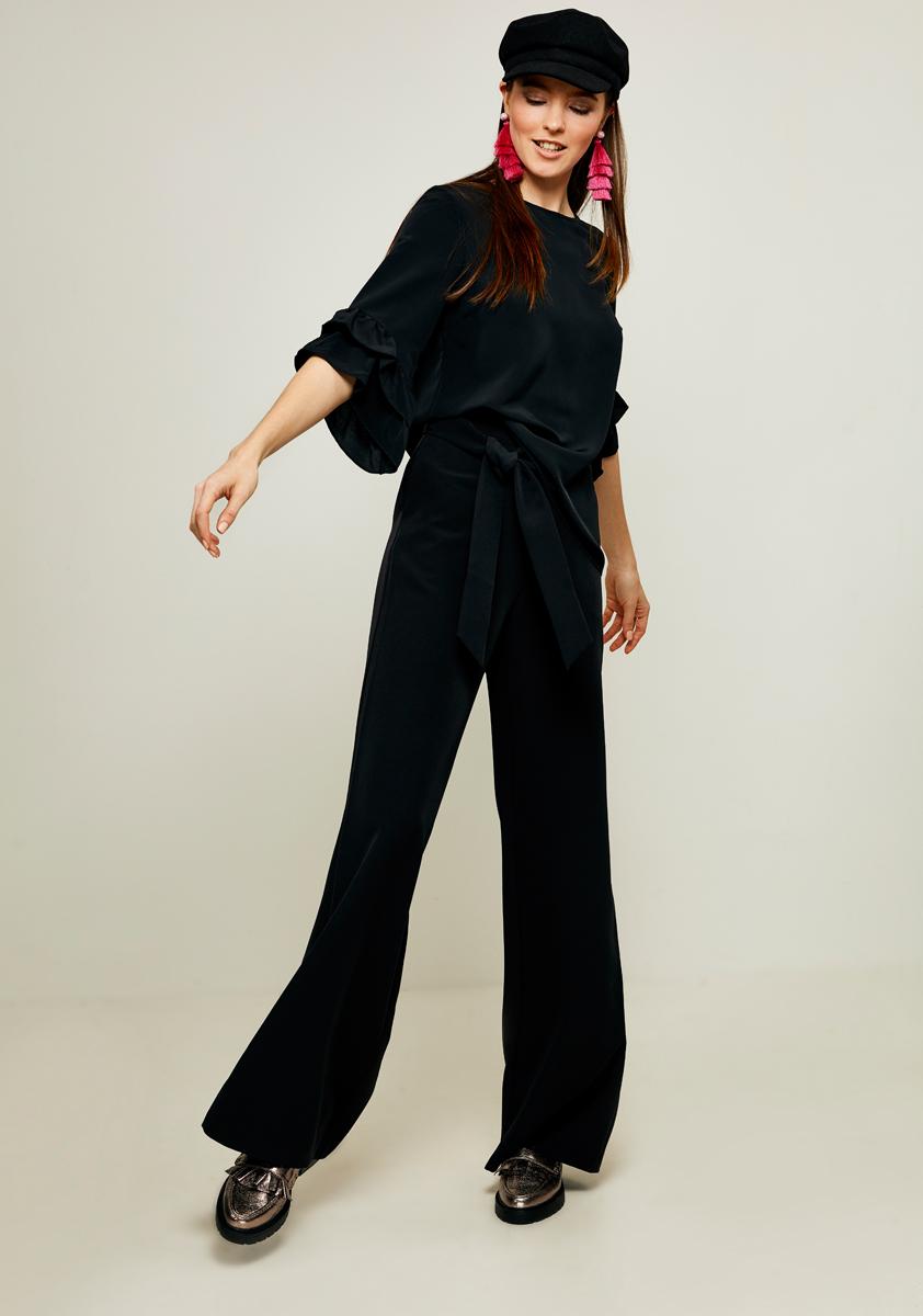 Блузка женская Zarina, цвет: черный. 8122092320050. Размер 508122092320050