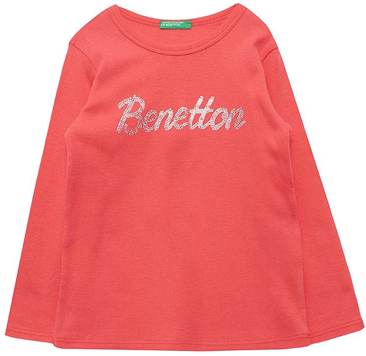 Футболка с длинным рукавом для девочек United Colors of Benetton, цвет: розовый. 3I9WC13NL_09H. Размер 1603I9WC13NL_09HФутболка от United Colors of Benetton выполнена из натурального хлопкового трикотажа. Модель с длинными рукавами и круглым вырезом горловины спереди оформлена брендированным принтом из страз.