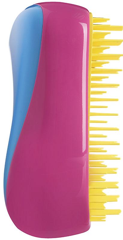 Tangle Teezer РасческаCompact Styler Bright2097Лимитированная модель Tangle Teezer Compact Styler Bright с ярким сочетанием неоновых оттенков: голубого, розового, желтого и оранжевого! Создана знаменитым британским стилистом Шоном Палфри, у которого за плечами более тридцати лет опыта работы в индустрии. Благодаря компактному размеру Tangle Teezer удобно носить с собой и брать в поездки. Плотно прилегающая крышка защитит расчёску от пыли и повреждений. Эргономичная форма позволяет легко расчёсывать как сухие, так и влажные волосы. Благодаря уникальному строению зубчиков, расчёска мягко скользит по волосам, не повреждая и не травмируя их. После использования расчёски волосы приобретают здоровый вид и блеск, становясь гладкими и шелковистыми.