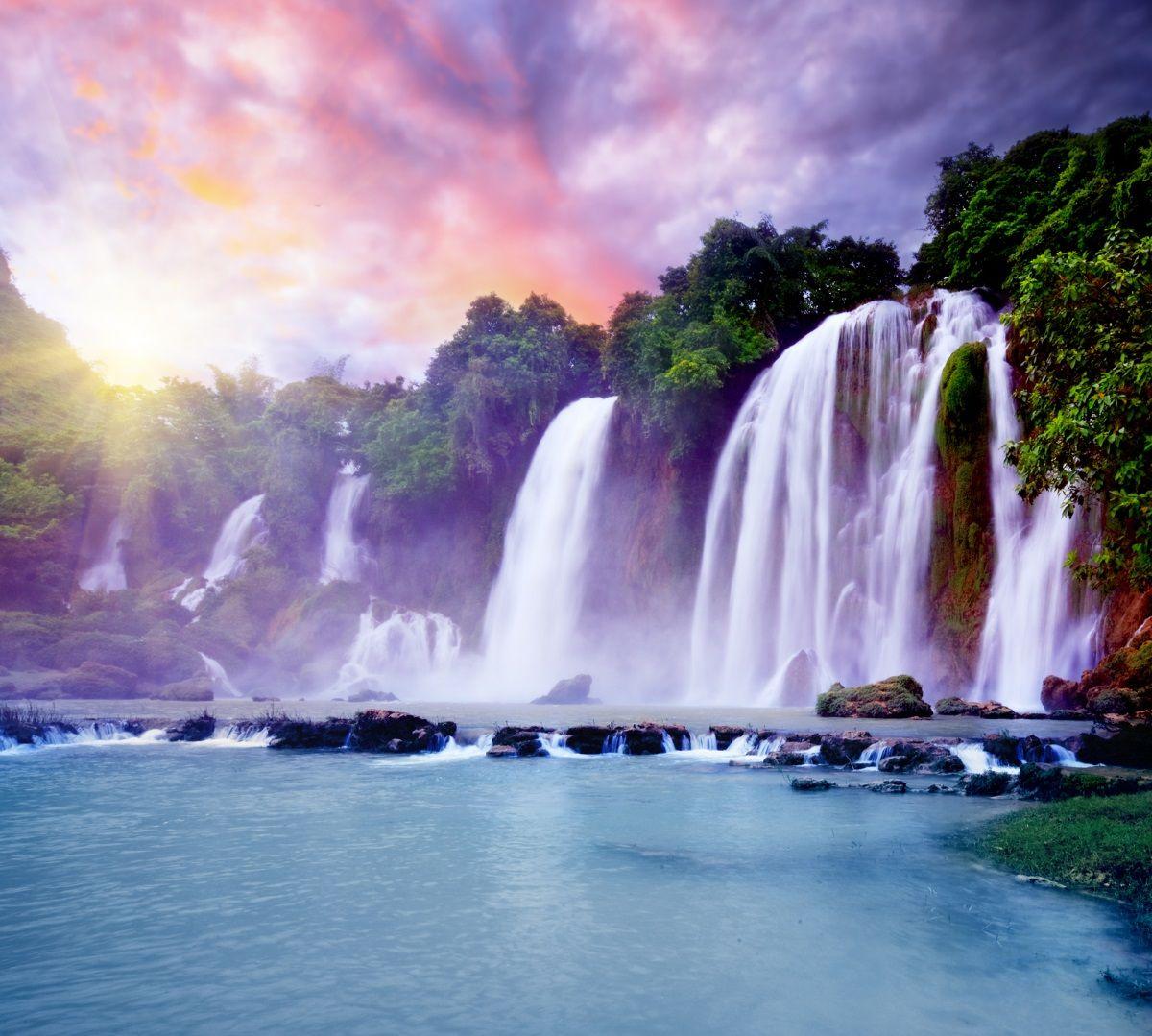 Фотообои флизелиновые Московская обойная фабрика Водопады, 300 х 270 см17029-МФотообои Водопады привлекаютсвоей красотой и освежающей энергией. Качество обоев дополняетчистый импортный флизелин. Преимущества:• качественный, импортный, экологически чистый материал;• простота наклеивания;• длительный срок службы.