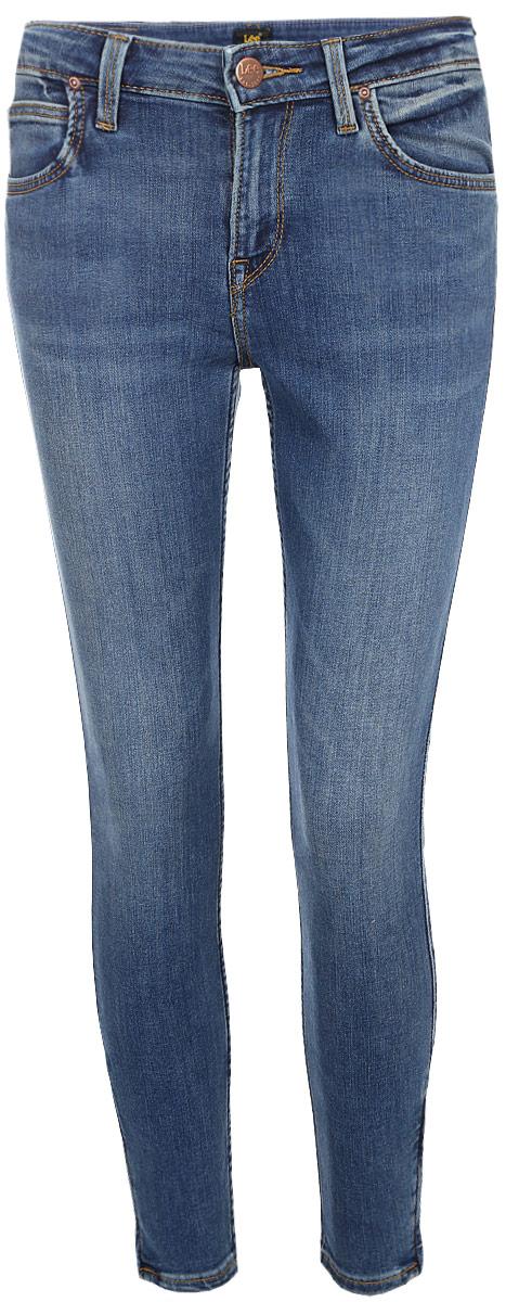 Джинсы женские Lee Scarlett High, цвет: синий. L626HAZV. Размер 31-31 (46/48-31)L626HAZVСтильные джинсы-слим от Lee выполнены из эластичного хлопкового денима. Модель с завышенной посадкой в поясе застегивается на пуговицу, имеет ширинку на молнии и шлевки для ремня. Джинсы имеют классический пятикарманный крой.
