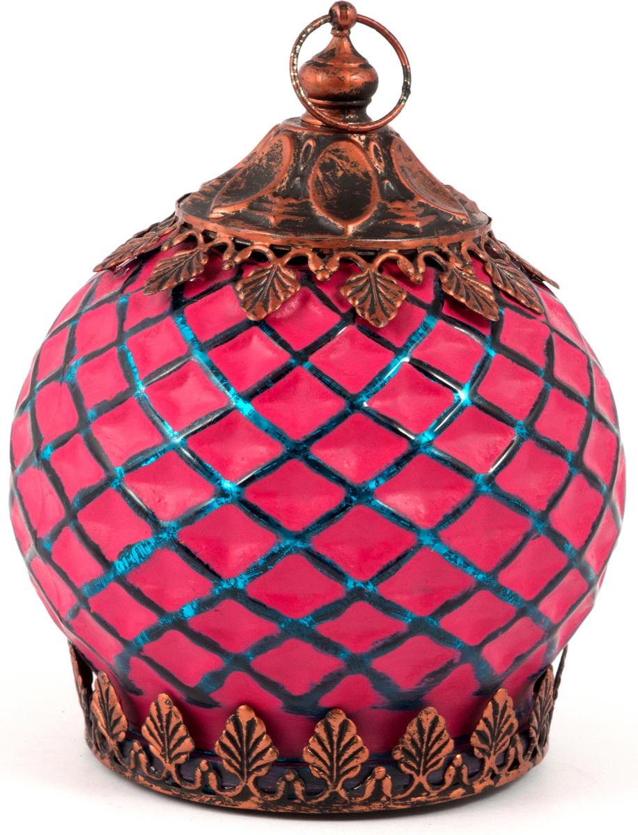 Подсвечник прежде всего выполняет функцию освещения, является предметом интерьера, а также украшает романтический вечер или праздничный стол.