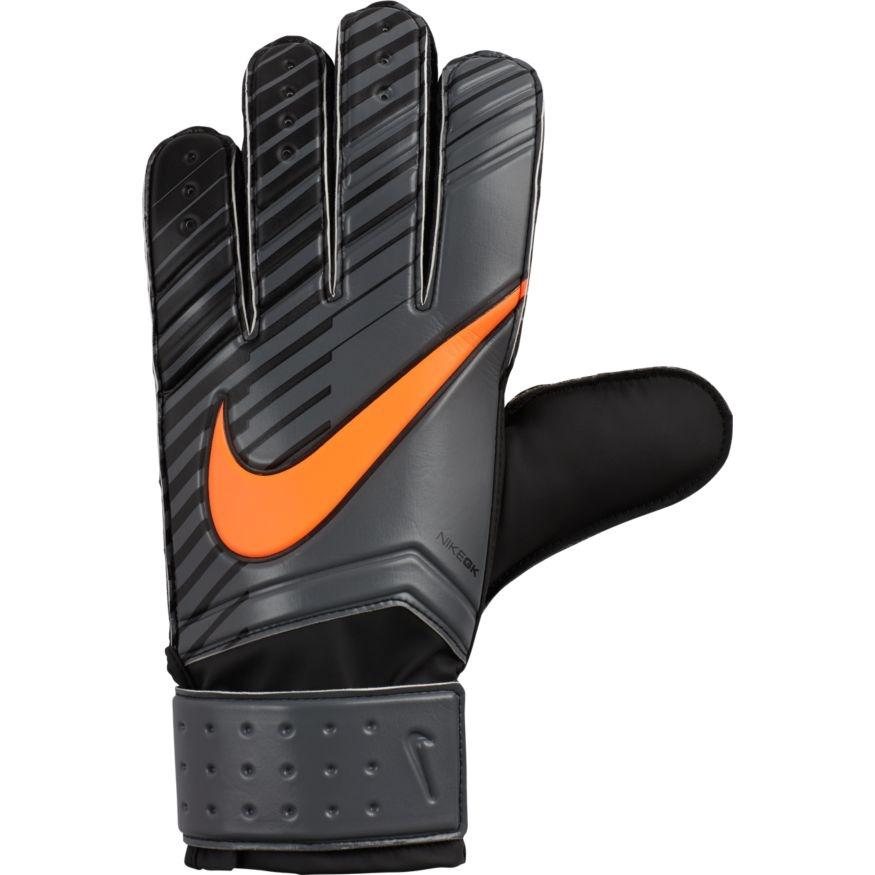 Перчатки вратарские Nike Unisex Match Goalkeeper Football Gloves, цвет: черный, оранжевый. Размер 9GS0344-089Unisex Nike Match Goalkeeper Football GlovesФутбольные перчатки унисекс Nike Match Goalkeeper смягчают нагрузку от удара мяча и обеспечивают оптимальный захват и контроль мяча в любых погодных условиях. Пеноматериал на основе латекса обеспечивает превосходное сцепление в любых условиях. Манжета с застежкой на липучке для регулируемой посадки. Перфорация в области пальцев усиливает вентиляцию. 40% ЛАТЕКС30% ПОЛИУРЕТАН19% EVA11% НЕЙЛОН