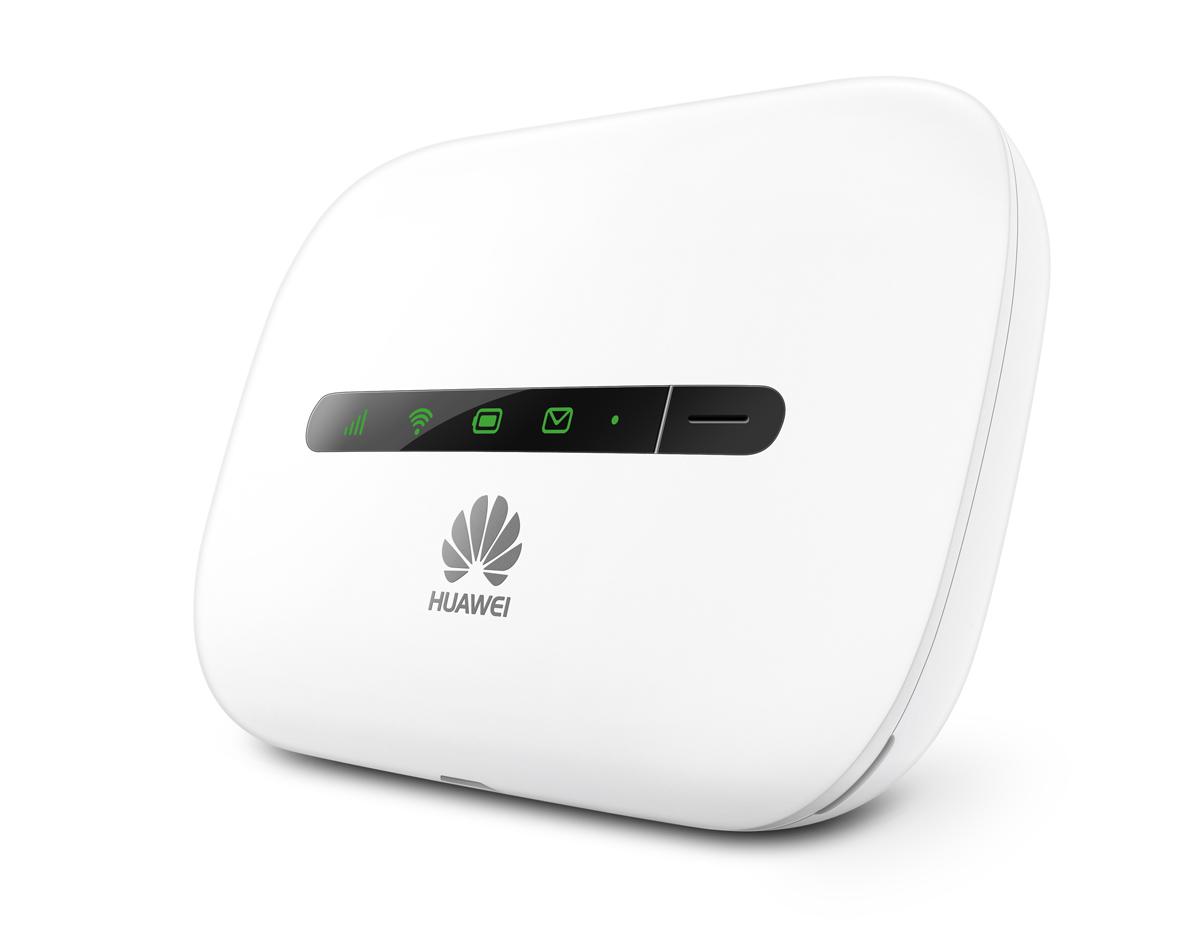 Huawei WRL 3G E5330, White USB-роутер51071HXFВысокоскоростной мобильный роутер Huawei WRL 3G E5330 работает с SIM-картами любых российских операторов иобеспечивает быстрое и стабильное подключение к Интернету в сетях 3G. К характернымособенностям устройства можно отнести компактность, малый вес, простую настройку. Этомобильное устройство можно возить с собой, положив его в сумку или рюкзак, чтобы в любоймомент иметь возможность создать сеть и обеспечить доступ к ресурсам Всемирной паутины длянескольких ноутбуков, стационарных ПК или других устройств. Справиться с его настройкойсможет даже малоопытный пользователь. На корпусе расположены индикаторы, нагляднопоказывающие состояние роутера, уровень приема сигнала и прочую важную информацию.