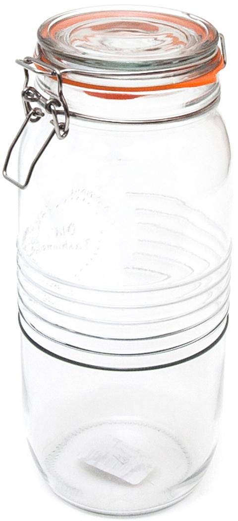 Банка для специй Banquet Crystal, с клипсой, 2 лKE213085Банка для специй из стекла обьемом 2 л – рациональный вариант хранения соли и ароматных приправ, используемых в кулинарии. Стеклянные баночки гигиеничны, надежно предохраняют содержимое от сырости. Прозрачность стенок облегчает поиск нужной специи, хорошо видно, не пора ли пополнить запасы. Крышка плотно закрывается. Емкость, имеющая стильный дизайн, отлично впишется в интерьер. Изделия можно мыть в посудомоечной машине.