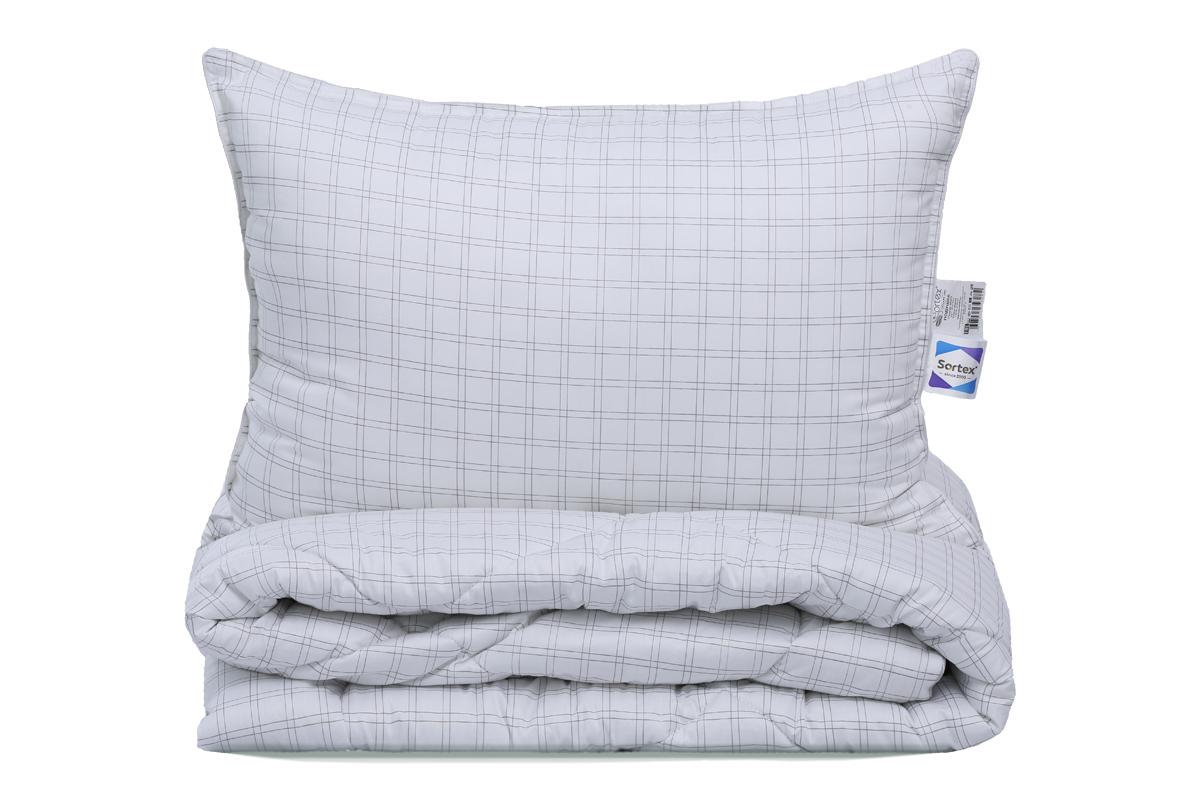 Подушка Sortex Нежность, наполнитель: искусственный пух, 70 x 70 см473-512Нежность, мягкость, комфорт - то что вы почувствуете с изделиями Нежность.Это выбор для самых чувственных и утонченных натур! Наполнитель одеял и подушек микроволокно по своим тактильным ощущениям напоминает элитный пух лебедя, но при этом является гипоаллергенным и практичным. Чехол выполнен в ткани сатин (100% хлопок), напоминает прикосновение шелка.