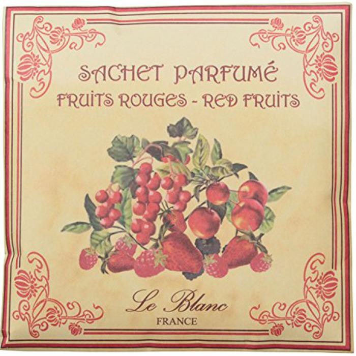 Саше ароматическое Le Blanc Красные ягоды3760110098324Подарки от Le Blanc - это роскошь в мелочах, определяющих стиль. Эти изящные вещицы привносят в нашу жизнь тонкие, нежные ароматы,создают настроение легкости и воздушности. Саше относятся к разряду тех мелочей, благодаря которым создается настоящий уют в доме.Терпкий, трепетный, проникновенный, яркий, страстный - все эти эпитеты об одном прекрасном и загадочном аромате - аромате красных ягод.Красные ягоды на снегу - такие зрительные ассоциации вызывает этот аромат - горячий, словно языки пламени, и вместе с тем холодный,словно снег, сотканный из сочетания несочетаемого. А ещё конечно вызывает непревзойденные вкусовые ассоциации. Красная ягода -непременно с кислинкой, но от этого не менее сладостная. Аромат красных ягод - это аромат вишен в коньяке, запах красной смородины,украшающей ослепительно белоснежный торт, это аромат любви и накала страстей, проникновенный аромат сокровенных чувств. Манящийаромат, услышав который один раз, забыть его невозможно!