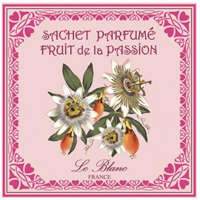 Подарки от Le Blanc - это роскошь в мелочах, определяющих стиль. Эти изящные вещицы привносят в нашу жизнь тонкие, нежные ароматы,  создают настроение легкости и воздушности. Саше относятся к разряду тех мелочей, благодаря которым создается настоящий уют в доме.  Название этого аромата говорит само за себя. Это насыщенный, необыкновенно чувственный аромат, пробуждающий страсть и наполняющий  душу огнём желания. Афродизиак, под воздействием которого вам приснятся любовные сновидения, а у влюблённых возникнет удвоенное  притяжение друг к другу. Этот аромат насыщен магией восточных гаремов и магическим очарованием прекрасных восточных одалисок, проникнут  ароматом прекрасных цветов из восточных садов и насыщен чарами тропических растений. Когда вы вдохнёте этот необыкновенный запах,  сильный и нежный в одно и то же время, вам покажется, что это благоухание доносится до вас из райских кущ небесного Эдема.