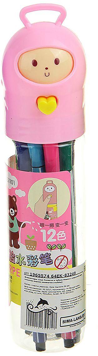 Набор фломастеров Мишка с игрушкой цвет упаковки розовый 12 цветов 19655741965574Почему дети так любят рисовать фломастерами? Юных художников прельщает не только бесконечная тяга к творчеству, но также практичность и эргономичность при использовании пишущих инструментов.В отличие от карандашей, фломастеры не нуждаются в заточке и не требуют усилий для создания ярких линий. Перед красками у них преимущество в том, что изображения сразу получаются чёткими, а насыщенность цвета нисколько не уступает гуаши.Простота, в мгновение ока создающая красоту, — вот что по-настоящему привлекает маленьких творцов!Как выбрать подходящий фломастер? Необходимо учитывать сразу несколько аспектов: тип чернил (водная или спиртовая основа), вид наконечника (пластик или синтетические волокна, толстый или тонкий), тип корпуса (полистирол или полипропилен) и даже колпачок (крупный или мелкий).Фломастеры— это превосходный выбор для создания мини-шедевров с мини-затратами. Высококачественное изделие направит весь творческий потенциал ребёнка в нужное русло.