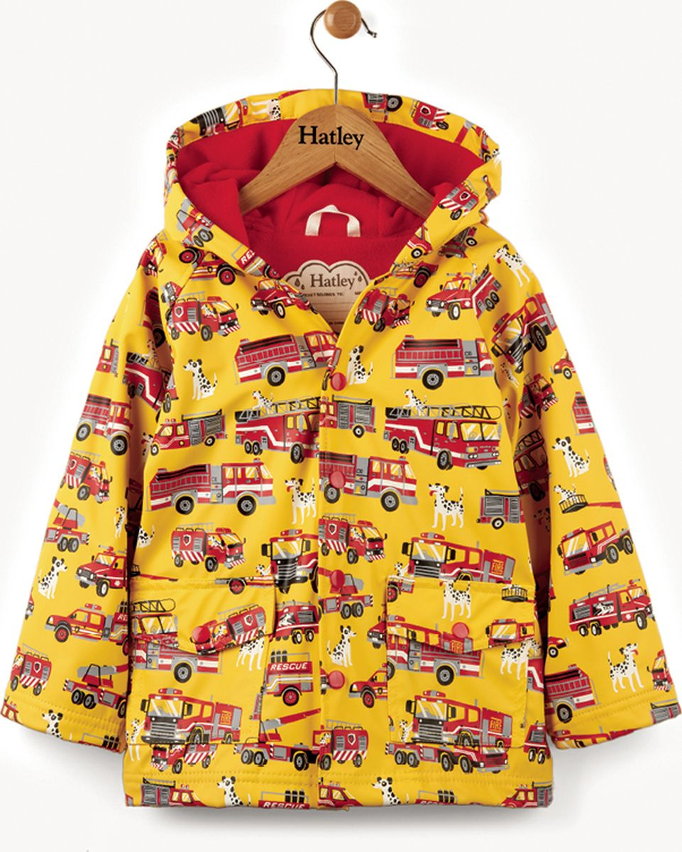 Дождевик для мальчика Hatley, цвет: желтый. RC6FIRE498. Размер 119, 6 летRC6FIRE498Непромокаемый плащ для девочки изготовлен из 100% полиуретана - высокотехнологичного материала, безвредного для здоровья ребенка. Изделие оснащено контрастной полиэстровой подкладкой типа махра, что позволяет ребенку чувствовать себя комфортно длительное время. Изюминкой бренда Hatley остаются яркие, забавные принты, которые не оставят равнодушным ни одного ребенка.