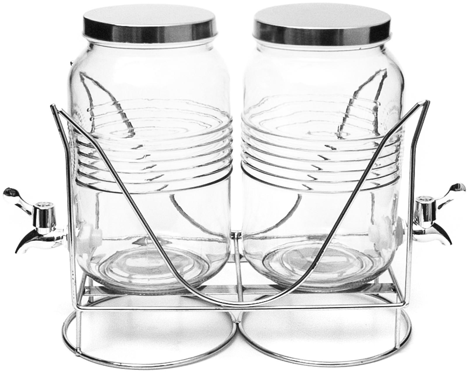 Набор лимонадниц Banquet Crystal, на подставке, 3 л, 2 штKE213090Набор из 2-х лимонадниц обьемом 3л на металлической подставке – оригинальное и практичное решение для подачи различных напитков. Этот предмет сервировки представляет собой стеклянную емкость большого объема с широким горлышком и крышкой на металлической,стильной подставке. В ее нижней части предусмотрен металлический краник-дозатор, с помощью которого очень удобно наполнять фужеры или стаканы. В лимонадник можно наливать соки, холодный чай, компот, лимонад, слабоалкогольные коктейли, пунш, глинтвейн, грог, но температура напитков не должна превышать 50 градусов. Он будет эффектным и модным дополнением сервировки стола как дома, так и на мероприятии.