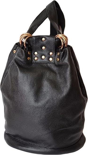 Рюкзак женский Topo Fortunato, цвет: черный. TF-B 602-019TF-B 602-019Женский городской рюкзак Topo Fortunato выполнен из натуральной кожи. Рюкзак имеет одно большое отделение на затягивающемся шнурке.