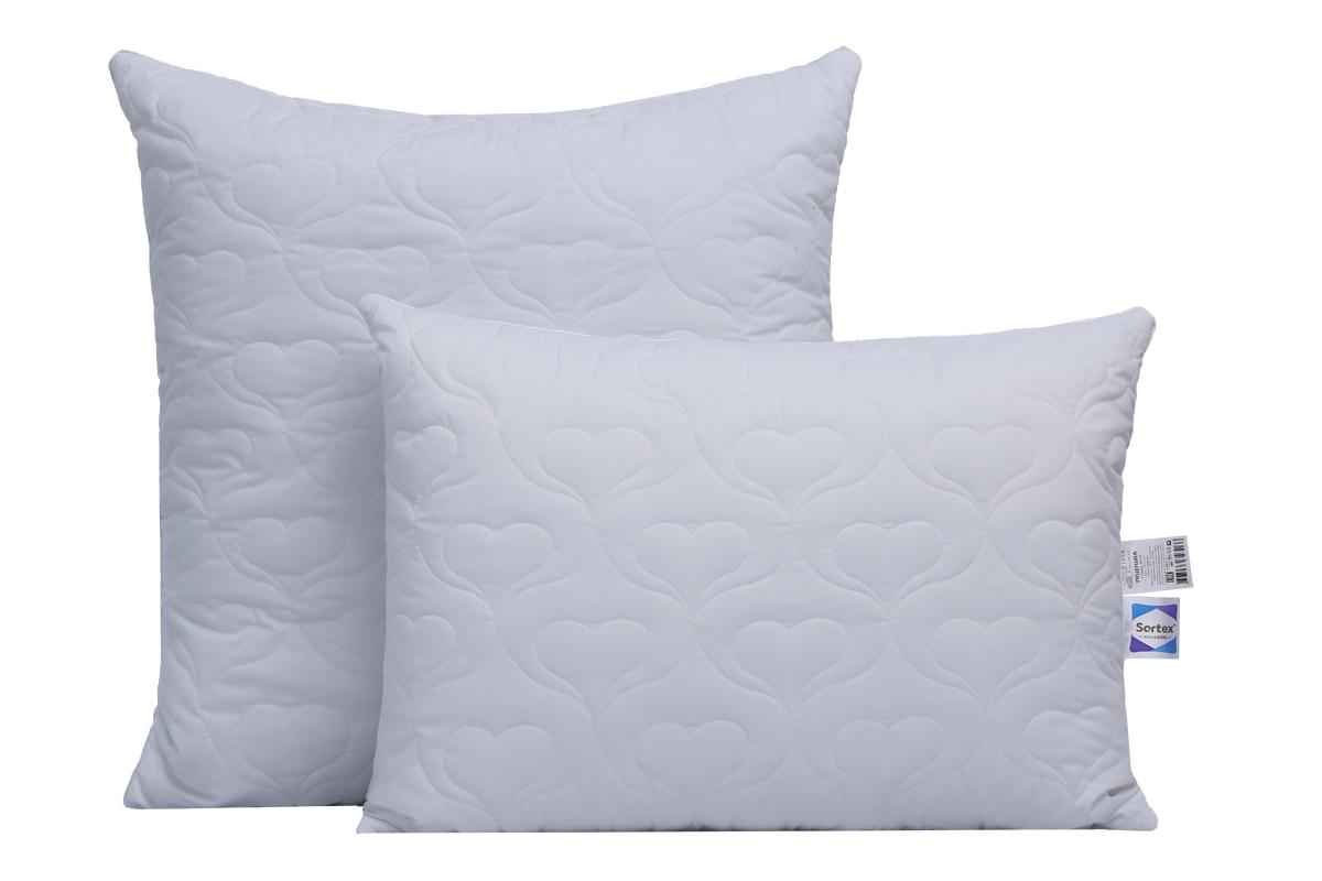 Для данной подушки используется уникальный узор стежки сердечками, поэтому она очень привлекательна.  Чехол съемный, на молнии , что обеспечивает простоту в уходе за изделием.  Подушки гипоаллергенны. Ткань поликоттон высокой плотности с эффектом оптического отбеливания.