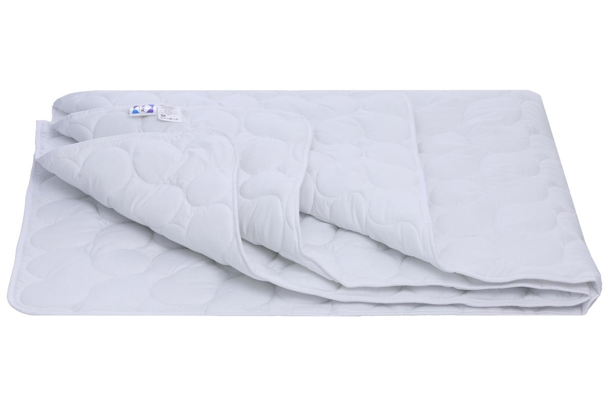 Для данного одеяла используется уникальный узор стежки сердечками, поэтому изделие очень привлекательно.   Простоту в уходе за изделием обеспечивает чехол из поликоттона.   Одеяло гипоаллергенно.   Ткань поликоттон высокой плотности с эффектом оптического отбеливания.